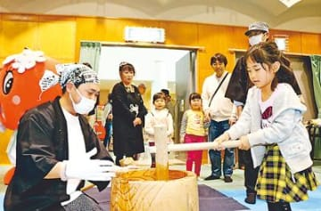 「加積りんご」グルメ続々 魚津で餅つきや料理コンテスト