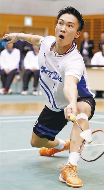 男子決勝でトナミ運輸の西本と対戦するNTT東日本の桃田