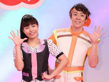 「おかあさんといっしょ」卒業を発表した上原りささん(左)と小林よしひささん