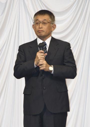 兵庫県明石市で開いた政治資金パーティーであいさつする泉房穂前市長=18日午後