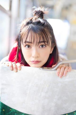 初の写真集「半透明」を3月に発売する小島梨里杏さん