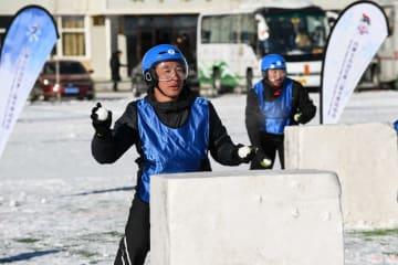 内モンゴル自治区で雪合戦 楽しさの中に緊張感