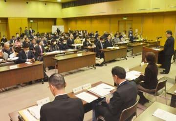 4月の県議選を巡る立候補予定者説明会=18日午後、松山市北持田町