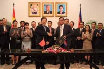 中国とカンボジア、瀾滄江·メコン川協力の新プロジェクトに調印