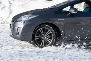 オールシーズンタイヤ Vector 4Seasons Hybrid 雪道試乗