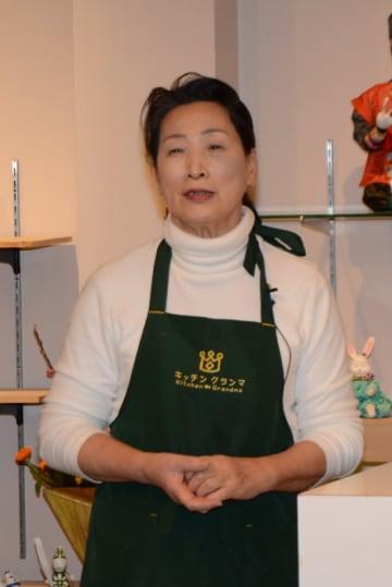 行事食への思いを語るキッチン・グランマの西山美穂子代表=有田町南原の同レストラン