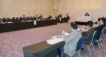 北海道函館市で開かれた衆院予算委の地方公聴会=19日午後