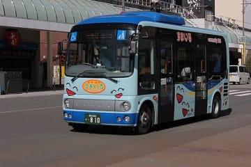 福井市のコミュニティバス「すまいる」東ルート(SONIC BLOOMINGさん撮影、Wikimedia Commonsより)