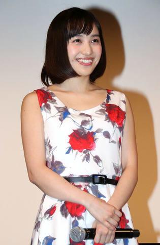 「約束のステージ ~時を駆けるふたりの歌~」の完成披露試写会に登場した百田夏菜子さん
