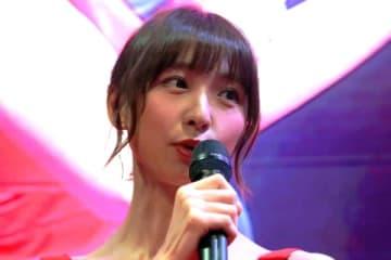 篠田麻里子、色気あふれる肩出し写真に熱視線 「良かった服着てる」「色っぽい…」