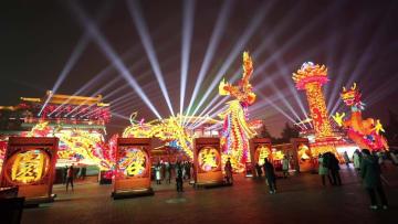 大唐芙蓉園で水陸ランタン祭り開催 陝西省西安市