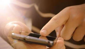中国でモバイルアプリで宿題を出すことを禁止する動き、子どもの視力低下を予防―英メディア