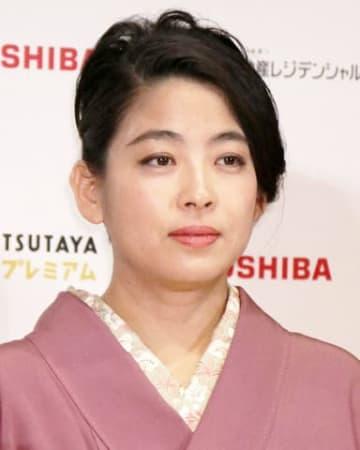 「第73回毎日映画コンクール」の表彰式に出席した内田也哉子さん