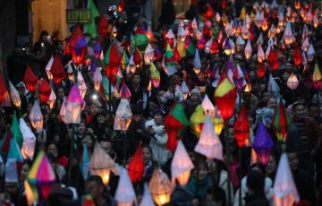 「蠐蟆灯」の明かりに幸せ祈る 四川省南充市