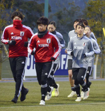 Soccer: Japan to bid for 2023 Women's World Cup, Nadeshiko enter camp