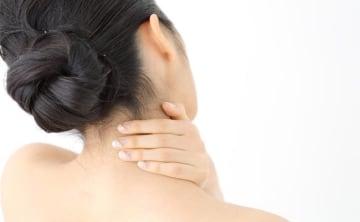 首と肩がガッチガチ…妊娠中の首と肩のこりについて助産師がアドバイス