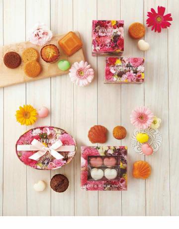 【ブールミッシュ】春爛漫!ハートマカロンや焼菓子が入った華やかパッケージ