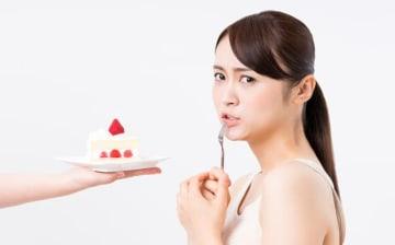 夜遅く、甘いものはもう食べちゃいけない! と思いながらも、どうしても食べたい時ってありますよね。