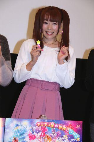 「映画HUGっと!プリキュア ふたりはプリキュア オールスターズメモリーズ」の応援上映イベントに登場した「でんぱ組.inc」の成瀬瑛美さん