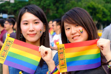 Taiwan Cabinet OKs draft bill legalizing same sex marriage