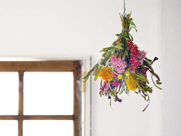 """""""花束""""のような自然のインテリア「スワッグ」で、部屋を癒し空間に"""