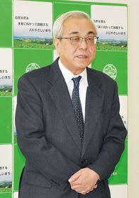記者会見で19年度予算案に込めた思いを説明する菊谷秀吉市長