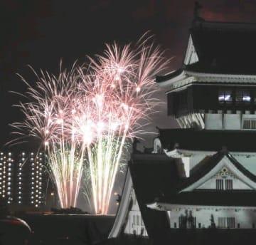 都心花火 海上へ移転 北九州「わっしょい百万」 高層住宅に火の粉