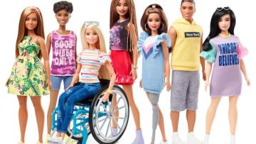 """多様性を反映…""""車いす""""や""""義足""""のバービー人形が登場!その詳細を聞いてみた"""