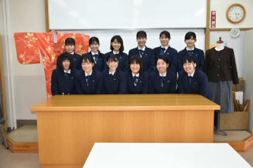 家庭科技術検定で3冠を達成した宮崎農業高生活文化科の3年生