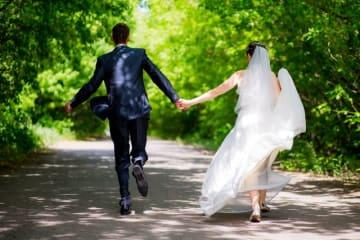 昨今、恋愛プロセスを飛ばして「いきなり結婚」を目指す人が増えています。いきなり結婚といえでも出来る人とできない人がいるのです。今回はそれぞれの特徴をお伝えしていきます。