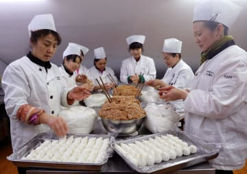 老舗店の湯円、元宵節の売上1日10万個 上海市