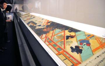 特別展で展示される国宝の北野天神縁起絵巻(承久本)(京都市中京区・京都文化博物館)