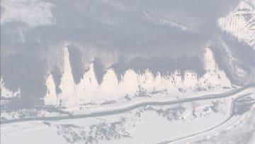 北海道で震度6弱...断水続く 雪崩や土砂崩れも