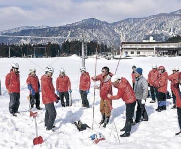 雪崩の遭難者救え 立山・剱岳対策協が訓練