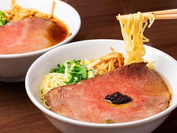 神戸牛がドーンと乗った贅沢ラーメン!鉄板焼き屋のランチが絶品すぎる!