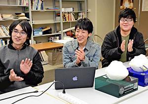 会津大の技術力「はやぶさ2」計画貢献 着陸成功喜ぶ学生3人