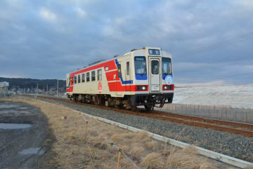リアス線開業まで1カ月となった三陸鉄道。開業を機に低迷する乗客数の巻き返しを図る=21日、野田村