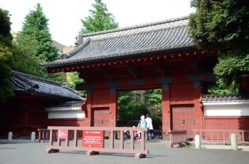 東京大学の赤門=東京都文京区