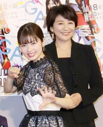 連続ドラマ「トクサツガガガ」に出演している小芝風花さん(左)と松下由樹さん (C)NHK