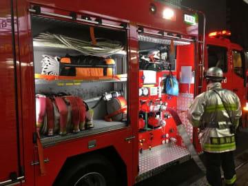 工務店火災で作業中の消防隊員が軽傷 藤沢