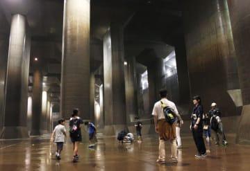 埼玉県春日部市の首都圏外郭放水路で行われた見学会=2018年8月