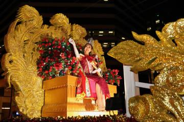 旧暦の新年を祝う大規模パレード 米サンフランシスコ