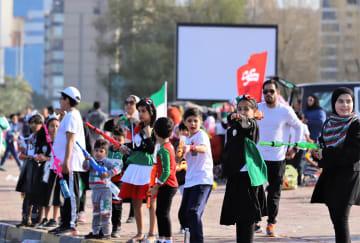 建国記念日を迎えたクウェートの街角