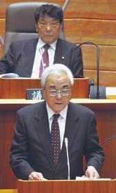 市政執行の基本的な考え方を述べる菊谷市長