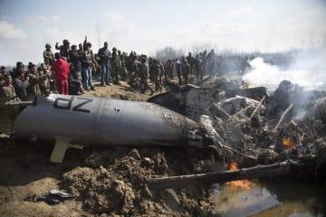 パキスタン、インド空軍機2機を撃墜と発表
