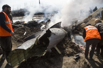 カシミール地方でインド機墜落 パイロット2人死亡