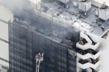 3人が死亡した物流倉庫の火災=12日、東京都大田区