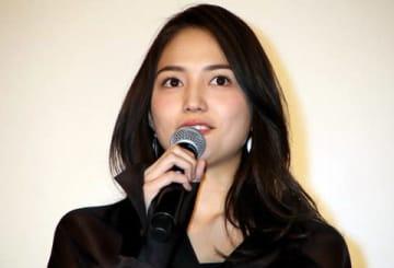 映画「九月の恋と出会うまで」の試写会に登場した川口春奈さん