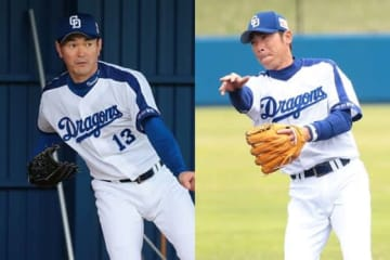 昨季限りで現役引退した岩瀬仁紀氏(左)と荒木雅博氏【写真:荒川祐史】