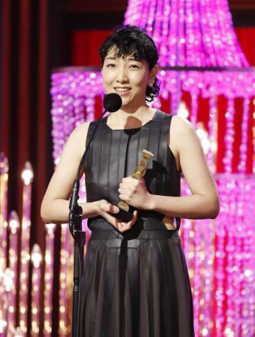 第42回日本アカデミー賞で主演女優賞を受賞した安藤サクラさん=1日午後、東京都内のホテル